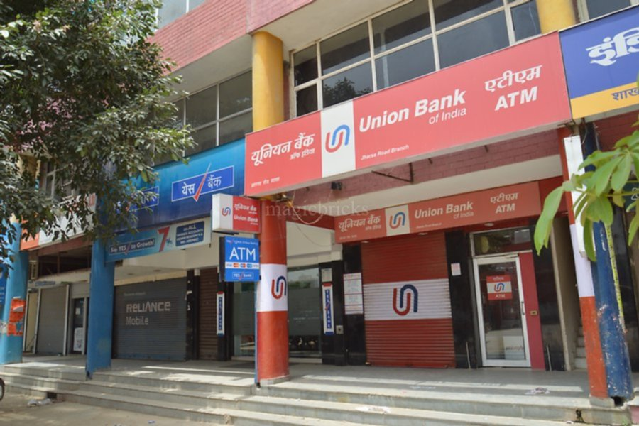Bank and ATM Near VNC Girls PG